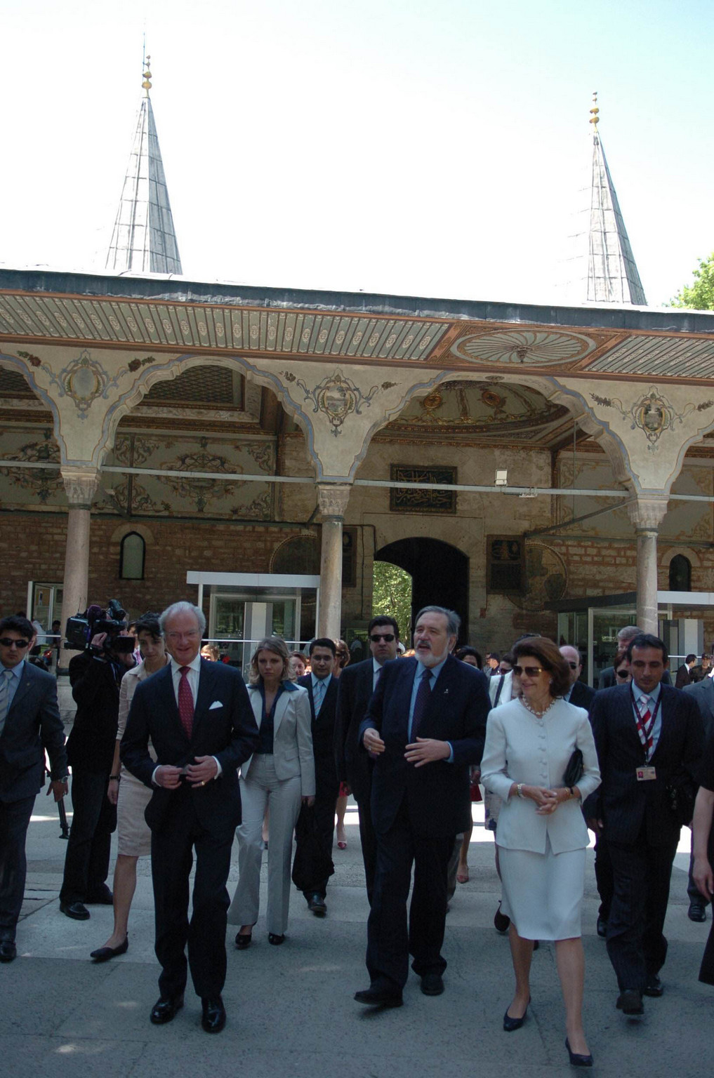 Serhat Paktas is guiding to His Majesties Swedish King Carl XVI Gustaf and Queen Silvia in Istanbul